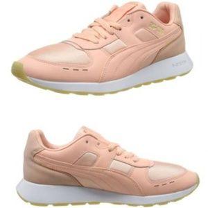 PUMA Women's Sneaker